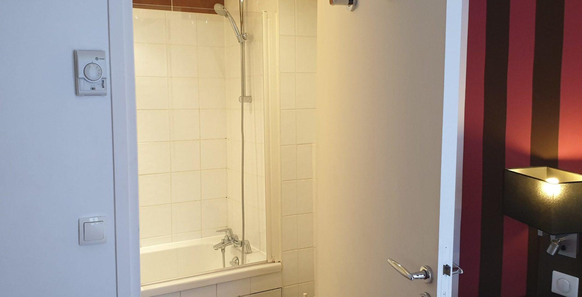 salle de bain double classique - hôtel star champs-élysées (4)