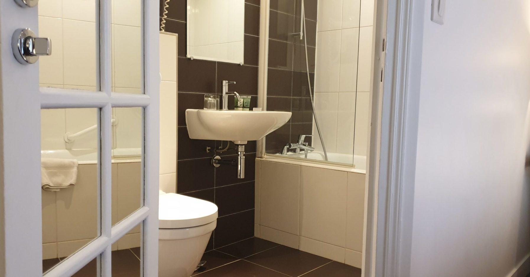 salle de bain double supérieure 3 - hôtel star champs-élysées