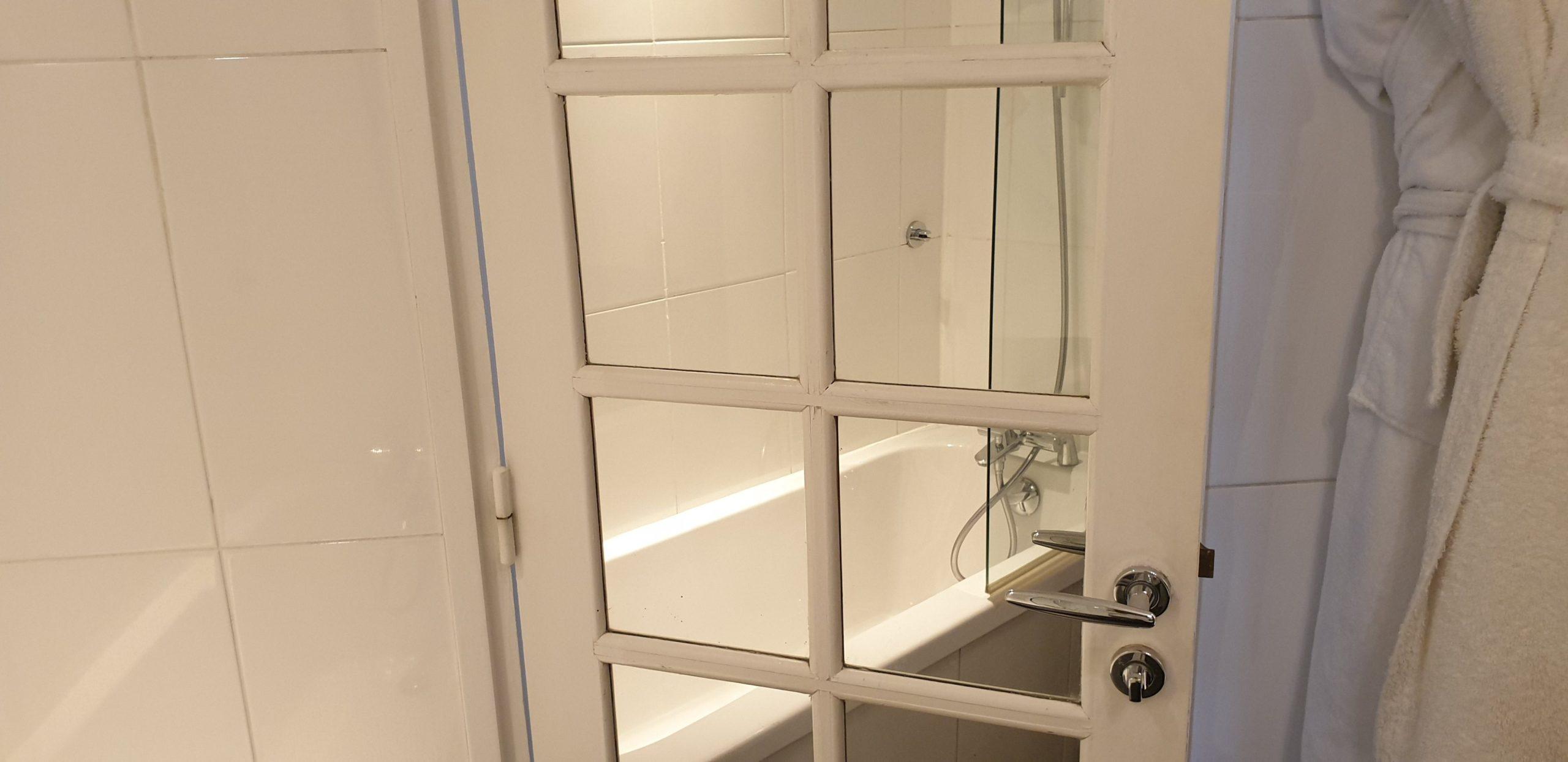 Salle de bain double supérieure 1- hôtel star champs-élysées