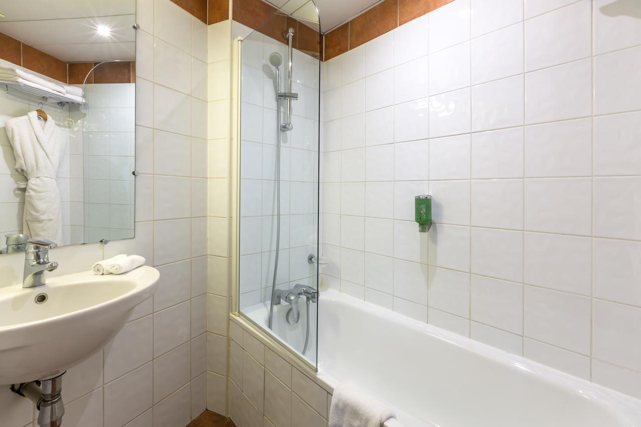 Salle de bain suite - hôtel star champs-élysées
