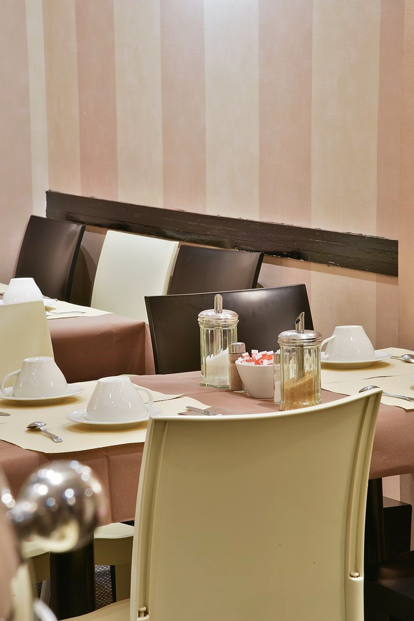 Salle-petit-dejeuner-Hotel-Star-Champs-Elysees
